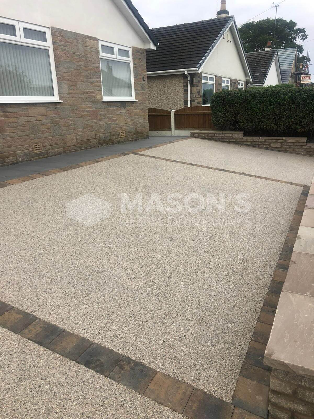 Full resin bound driveway pearl quartz in Preston, Lancashire
